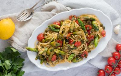 Spaghetti mit gebratenem grünen Spargel